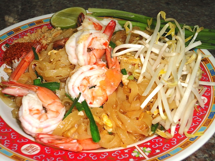 Pad Thai with shrimp recipe and instructions for step-by-step cooking.